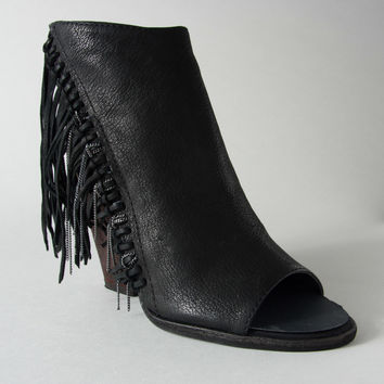 Dolce Vita Noralee Booties in Black Nubuck