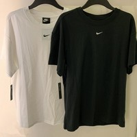 NIKE NSW Essential T-Shirt
