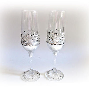 Champagne Flutes Wedding Toasting Glasses Silver Wedding Glasses Champagne Glasses Bride and Groom Personalized Gift Wedding Ceremony