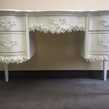 Vintage French Provincial Desk / Vanity