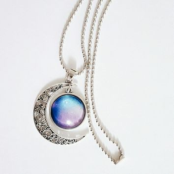 NWOT Galaxy Moon Celestial Pendant Necklace