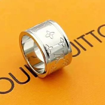 LV Louis Vuitton New fashion letter couple ring Silver