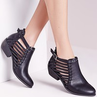 Missguided - Strappy Cut Out Ankle Boot Black
