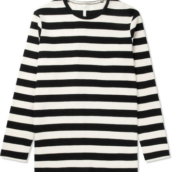 Munsoo Kwon Black Bold Striped Back Split L/S T-Shirt | HYPEBEAST Store. Shop Online for Men's Fashion, Streetwear, Sneakers, Accessories