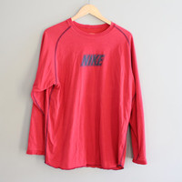 Nike T-shirt Nike Sweatshirt Red Oversized Pullover Long Sleeves Activewear Loose-fit Vintage Retro 90s Size L - XL