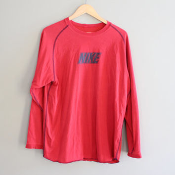 Nike T-shirt Nike Sweatshirt Red Oversized Pullover Long Sleeves Activewear Loose-fit Vintage Retro 90sSize L - XL