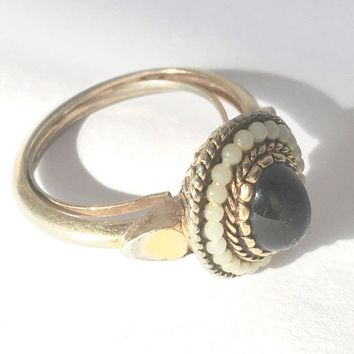 Avon Cocktail Ring Golden Metal Black Pearl Beads Victorian Design Size 7 True Vintage Jewelry