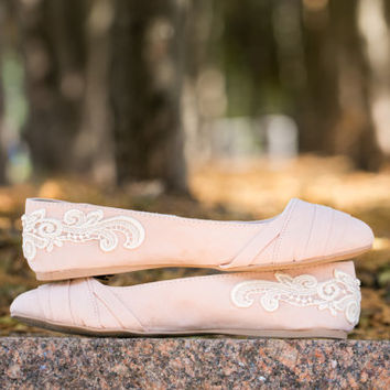 SALE - Wedding shoes - Blush Wedding Flats - Wedding Flats/Wedding Shoes, Blush Flats with Ivory Lace. US Size 6.5