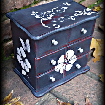 Shabby chic jewelry box, Distressed jewelry box, rustic jewelry box, gray jewelry box, jewelry box, girls gift idea, jewelry storage, gift