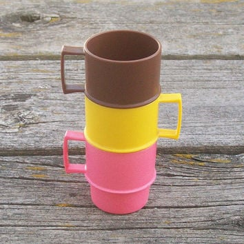 Vintage Tupperware Toys Set of 3 cups Pink Yellow Brown