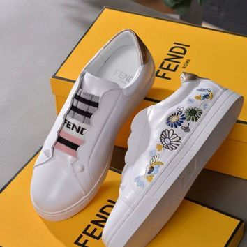 FENDI Embroidered sham lace for casual white shoes
