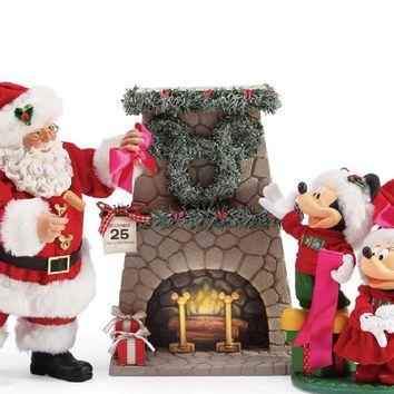 Department 56 Mickey Minnie's Perfect Wreath-6003418