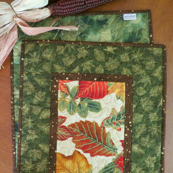 Quilted Fall Table Runner - Autumn Leaves Green 503