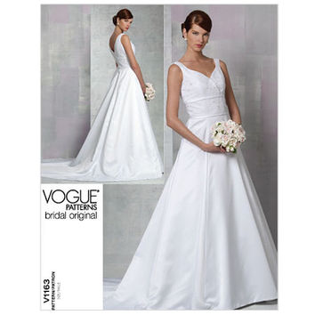 Sleeveless WEDDING Dress - Sweetheart Neckline V-Back Princess Seams VOGUE 1163 Sewing Pattern Bust 30.5-31.5-32.5-34 Size 6-8-10-12 UNCUT