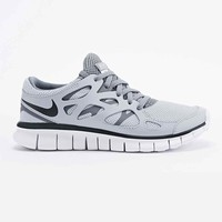 Nike Free Run 2 Ext Trainers in Grey - Urban Outfitters