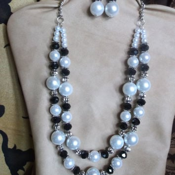 Two strand black and white necklace