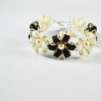 Flower Dark Black white  Swarovsky Bracelet, gift for her, silver, bracelets, pearl, flower