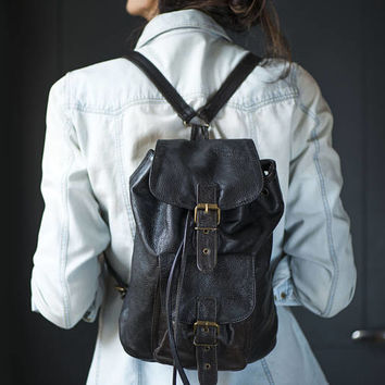 Black genuine leather backpack Vintage rucksack mid size 80s fashion school backpack lining Hipster backpack soft leather good condition