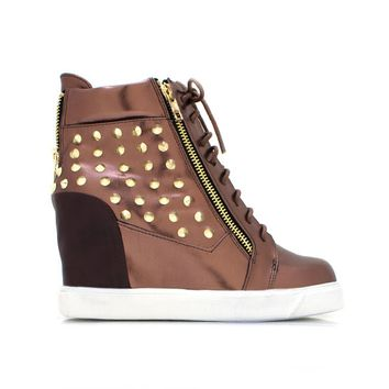 ON POINT STUDDED SNEAKER WEDGE - COPPER