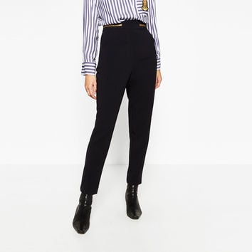 HIGH WAIST CROPPED TROUSERS DETAILS