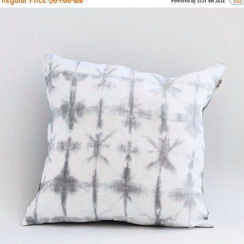 Shibori Pillow, Grey Pillow, Linen Shibori Pillow Cover, Pillow Cover, Pillow Covers 20X20, Hand Dyed Pillow Cover