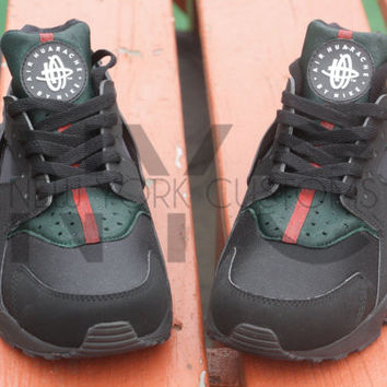 Luxury High End Inspired Nike Huarache Run Triple Black