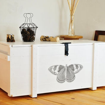 White laundry hamper > Butterfly < | linen chest | vintage bed end trunk | elegant bedroom furniture | crate bedside table | clothes hamper