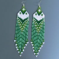 Native American Earrings Inspired. White and Green Earrings. Dangle Long Earrings. Beadwork.