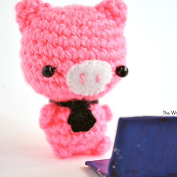 Amigurumi Pig, pig crochet doll, pig with a tie, pink pig, miniature pig, stocking stuffer, christmas gift, kawaii keychain, cute pig