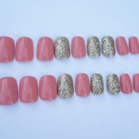 Peach Nails- Gold Accent Nail- Fake/False Nails- Acrylic Nails- Press On Nails- Hand Painted