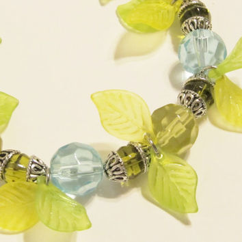 Bracelet in Blue, Green and Yellow Faceted Glass with Leaves