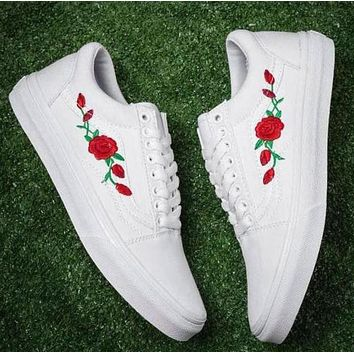 Vans New Popular Women Men Casual Red Rose Embroidery Canvas Old Skool High Top Low Top Flats Sneakers Sport Shoes White I12355-1