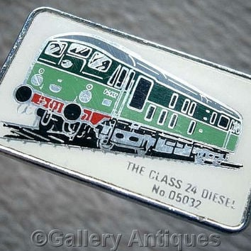 Vintage retro The Class 24 Diesel No. 05032 Chrome and Enamel train railway Pin / Lapel Badge by Clubman c.1980's (ref: 3206)