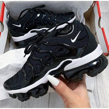 Nike Air Vapormax Plus Trendy Fashion Casual Wave line Sneakers Casual Shoes Black+Black white soles