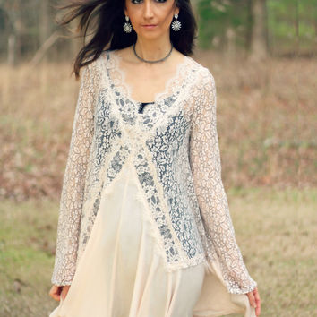 Jodifl Cream A-Line Tunic with Black and Cream Lace
