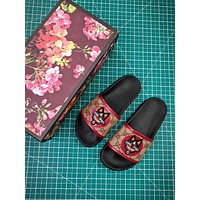 Gucci Leather Slide With Bow Fashion Style 1