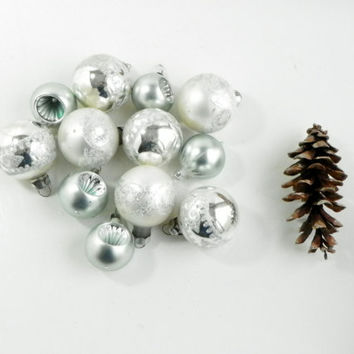 Winter Wonderland Sparkled Glass Ornaments Set