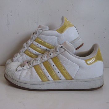 Vintage 1980s ADIDAS Sneakers White Homneycomb Hip Hop Rap Shell Toe 80s Trainers Womens 7-5US