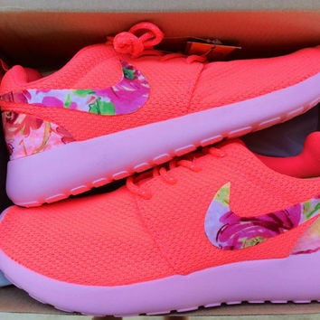 low priced 6d749 c6c28 Custom Women  39 s Nike Roshe Run Floral Swoosh