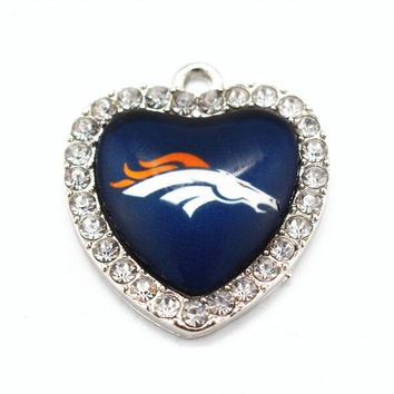 USA Football Sports Denver Broncos Dangle Charms Heart Glass Pendants Fit DIY Jewelry Accessories Fashion Necklace Bracelets