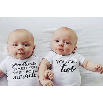 2017 Newborn lovely twins baby miracle get two print short sleeve white baby unisex bodysuits newborn baby girl bodysuits summer