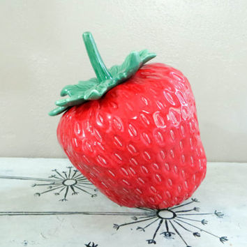Holiday Design Strawberry Cookie Jar USA Cookie Jar Red Strawberry Vintage Kitchen Retro Kitchen Collectible Cookie Jar Strawberry Kitchen