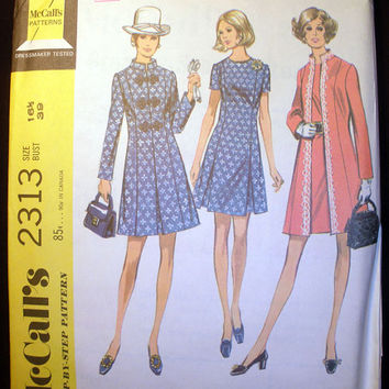 Women's Dress and Coat Vintage '70s McCall's 2313 Sewing Pattern UNCUT