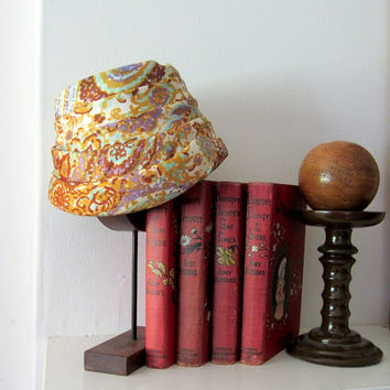 Sleek 60s Turban - Paisley Floral Print Hat - Vintage Accessory - FREE SHIPPING