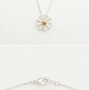 Dandelion Necklace, Daisy Necklace, Flower Necklace, Floral Leaf Necklace, Beautiful Necklace, Pretty Necklace, Womens Necklace