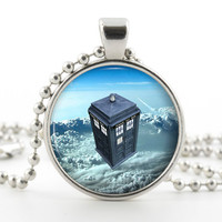 Doctor Who Tardis Pendant - Necklace - Silver Pendant - Time Machine Sci Fi Art with Chain and Gift Bag - Dr Who Jewelry