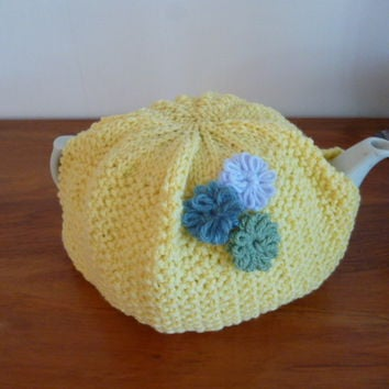 Knit Teapot Cozy with Flowers, Yellow, 6 - 8 Cup Cozy