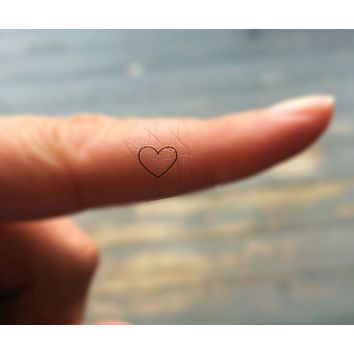 Fake Heart Tattoos / Set of 20