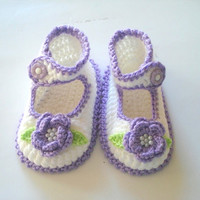 Baby Booties, white lilac purple flowered  baby shoes, crochet baby sandals 6 to 12 months, crochet baby shoes, baby socks, knitted slippers