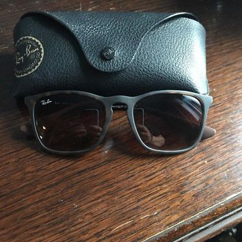 Ray Ban tortoise shell / silver classic frame sunglasses. RB 4187. CHRIS.